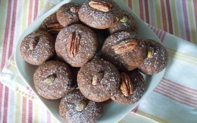 Galletas de chocolate con nueces pacanas y de chocolate con pistachos