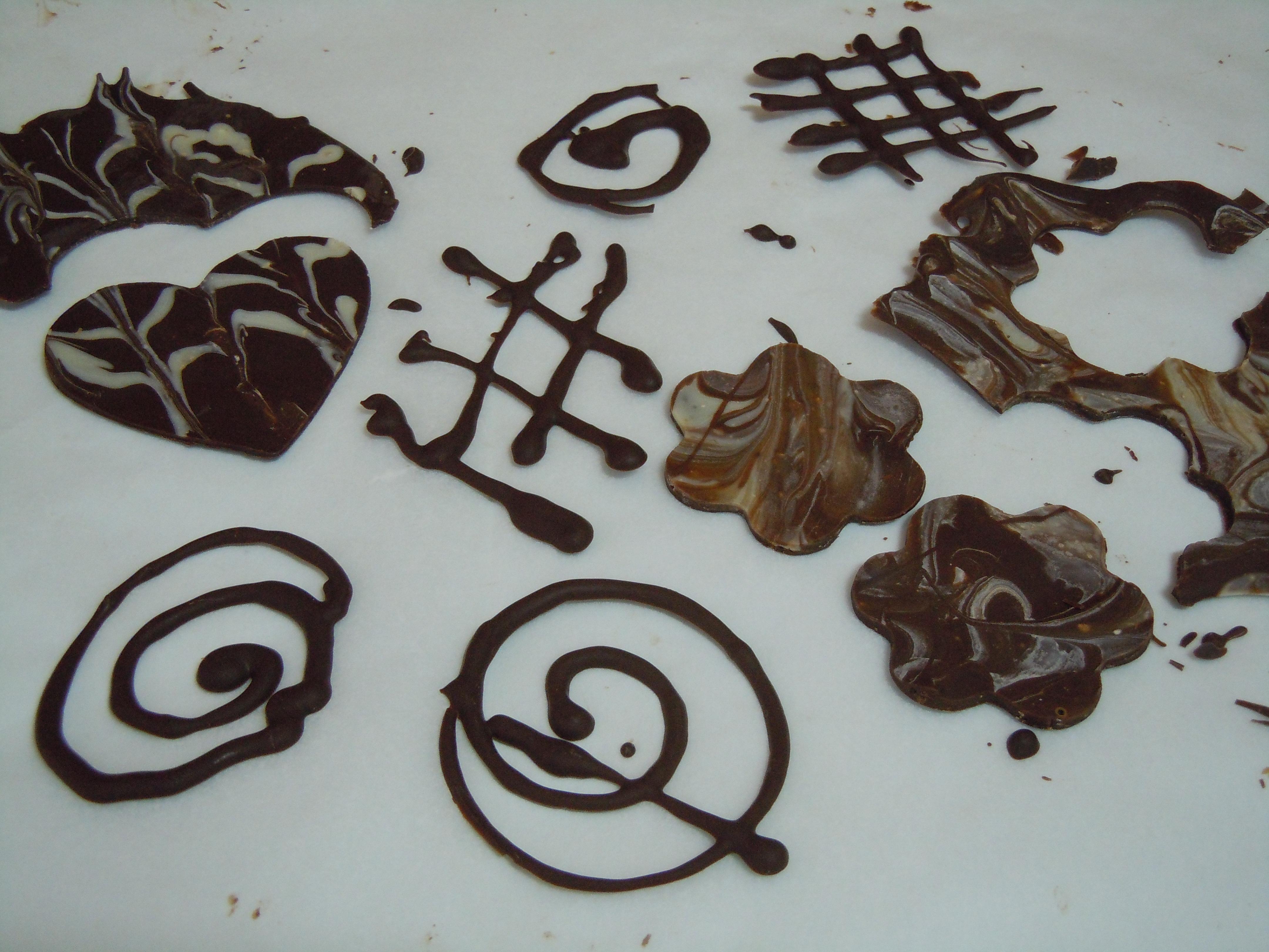 Tarta de san valent n de chocolate y yogur para cualquier otro d a del a o harina la carmita - Decoracion con chocolate ...
